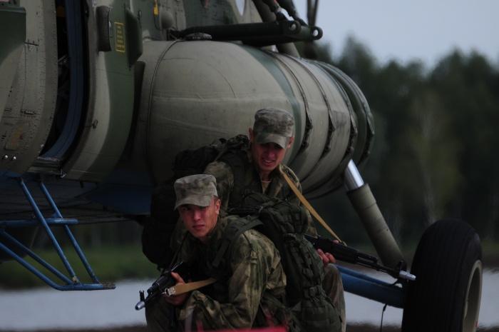 Военных на авиабазе подняли по тревоге