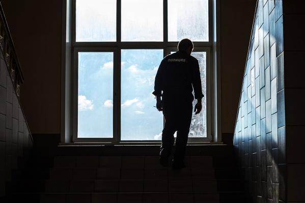 После инцидента с задержанным полицейского уволили из органов