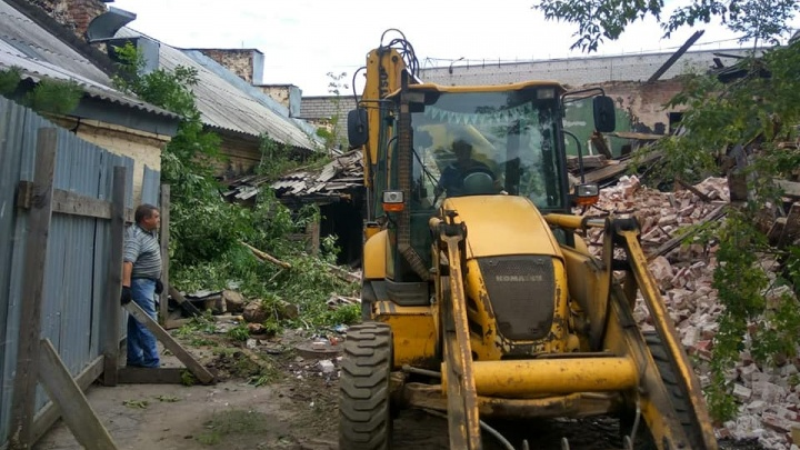 Власти признались, что не знают, был ли ценным снесённый в центре Ярославля дом. Наверное, был