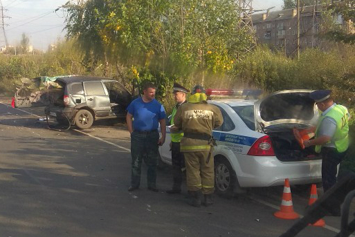 «Троих увезли в больницу»: очевидцы и полицейские сообщили подробности страшной аварии в Ярославле