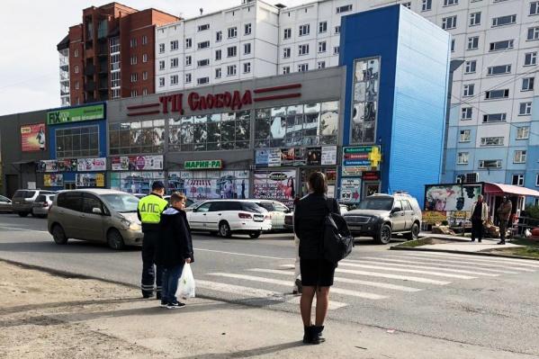 Пешеходный переход на Забалуева, на котором сбили ребёнка
