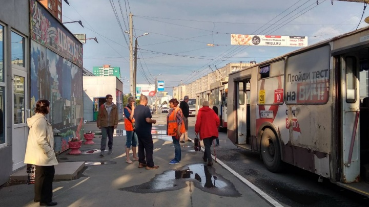 На северо-западе Челябинска в час пик остановился весь электротранспорт