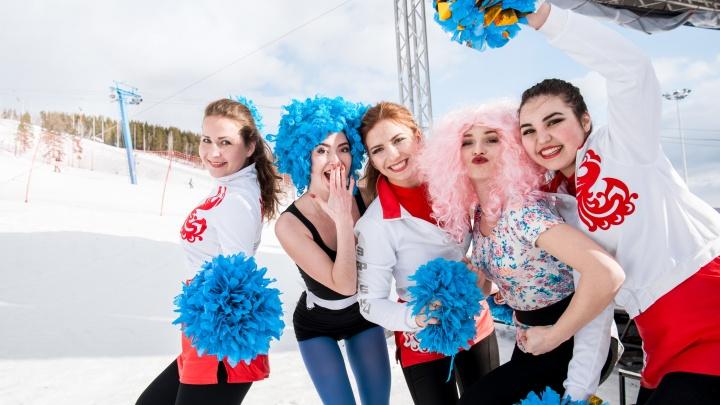 Сноубордисты наденут кокошники, рога и парики: «Солнечная долина» зовёт на карнавальный спуск