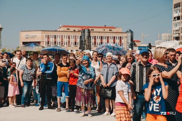 В прошлом году в областной центр приезжали Диана Гурцкая и Хор Турецкого