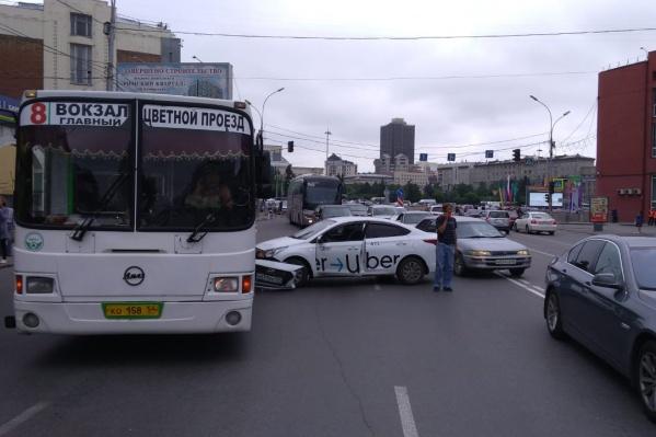 ДТП случилось у дома на Орджоникидзе, 23