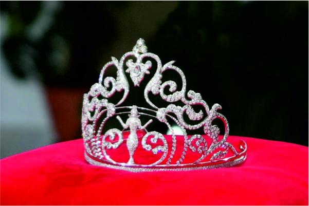 Звёздные гости, реалити-шоу и корона: в Екатеринбурге выберут мисс Русское Радио