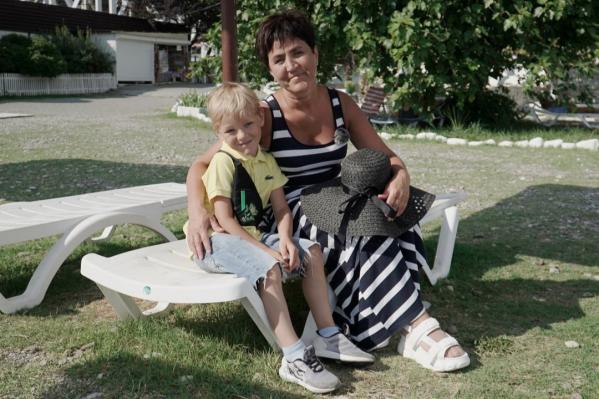 Помимо строительства дома, на выигранные деньги Светлана съездила на юг с внуком