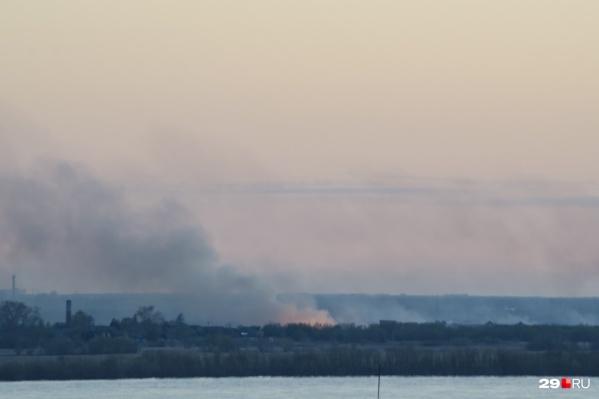 В последнее время на Кегострове часто горят дома и бывшие колхозные поля