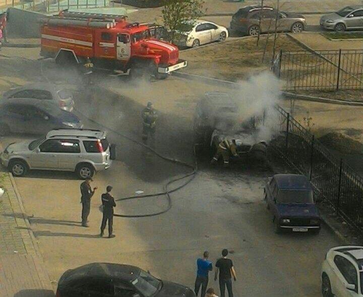 Вседорожный автомобиль Лексус горел вГорском микрорайоне Новосибирска