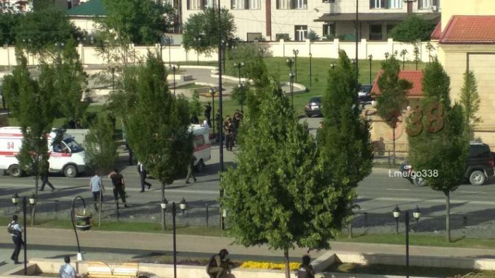 Появилось видео перестрелки спецназа и боевиков, которые пытались захватить церковь в Грозном