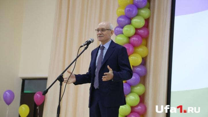 Рустэм Хамитов: «С начала года в Башкирии жильё получили 19 ветеранов Великой Отечественной войны»