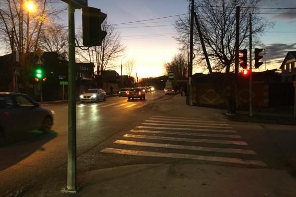 Авария произошла около 16 часов на Авторемонтной на пешеходном переходе
