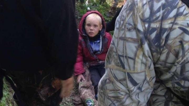 """""""Спасибо тебе, герой"""": парня, который спас потерявшегося в лесу 4-летнего Диму, засыпали благодарностями"""