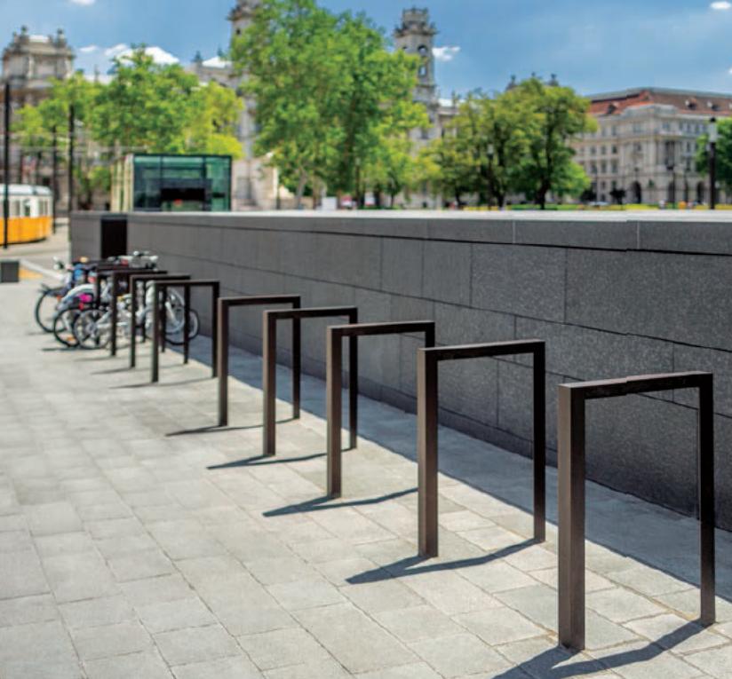 Также на Хлебной площади установят велопарковку
