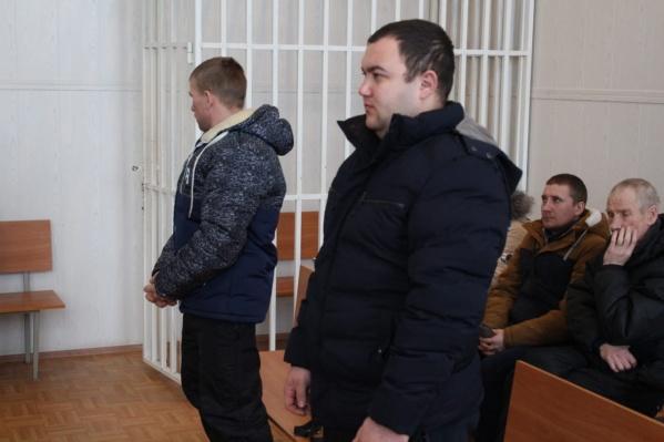Мужчин признали виновными в помощи нелегалу