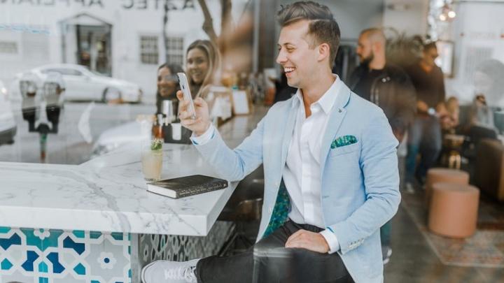 МегаФон стал партнером сервиса онлайн-знакомствTinder
