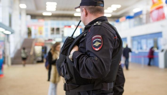 На «Ярославле-Главном» задержали федерального преступника