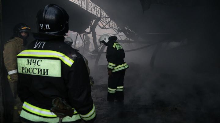 В Уфе в жилом доме загорелся лифт
