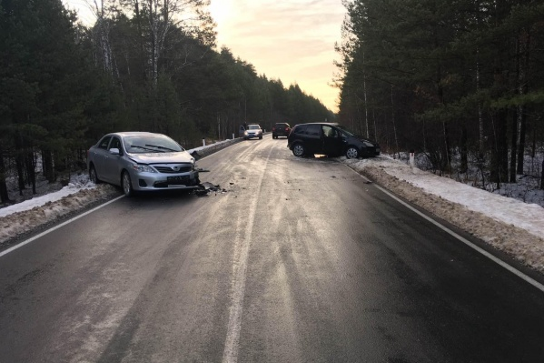 Авария произошла на небольшой автодороге утром в четверг