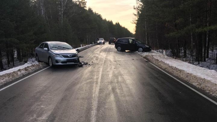 В Юргинском районе столкнулись две иномарки. 5-летний ребёнок получил многочисленные травмы
