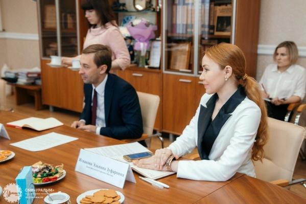 Эльвина Ягнакова считает, что её место освобождают для приближённой нового руководителя ЧелГУ Сергея Таскаева