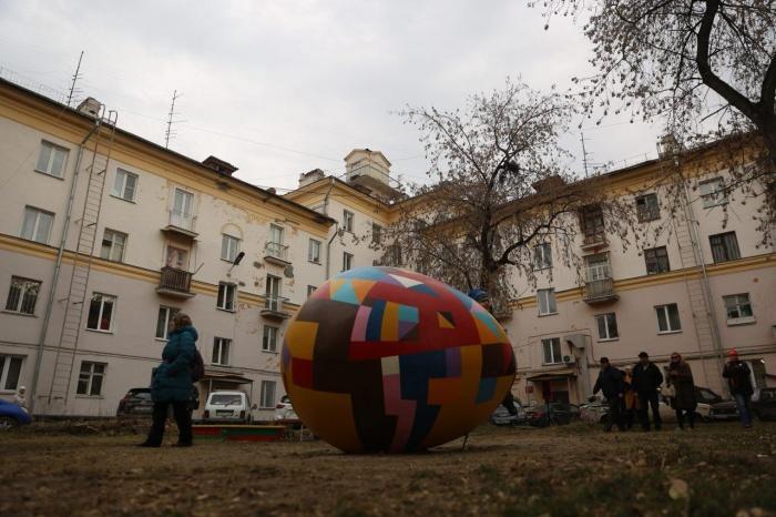 Реконструкция известной скульптуры Арбатского появилась во дворе рядом с ДК Горького