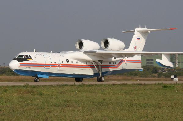 Самолет Бе-200 предоставили МЧС в феврале