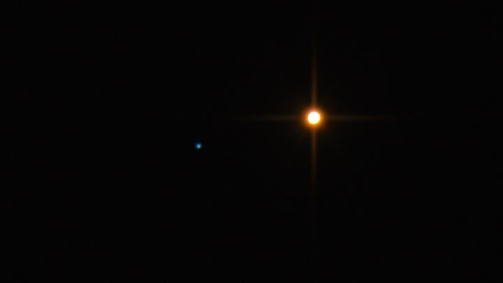 В одном кадре — 4 миллиарда километров: новосибирец снял в небе редкое сближение Марса и Нептуна