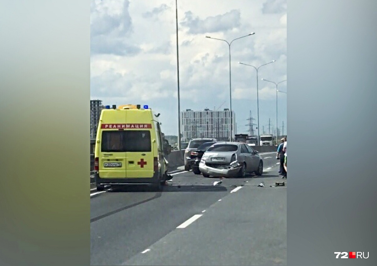 На вызов к пациентам отправили другую бригаду скорой помощи