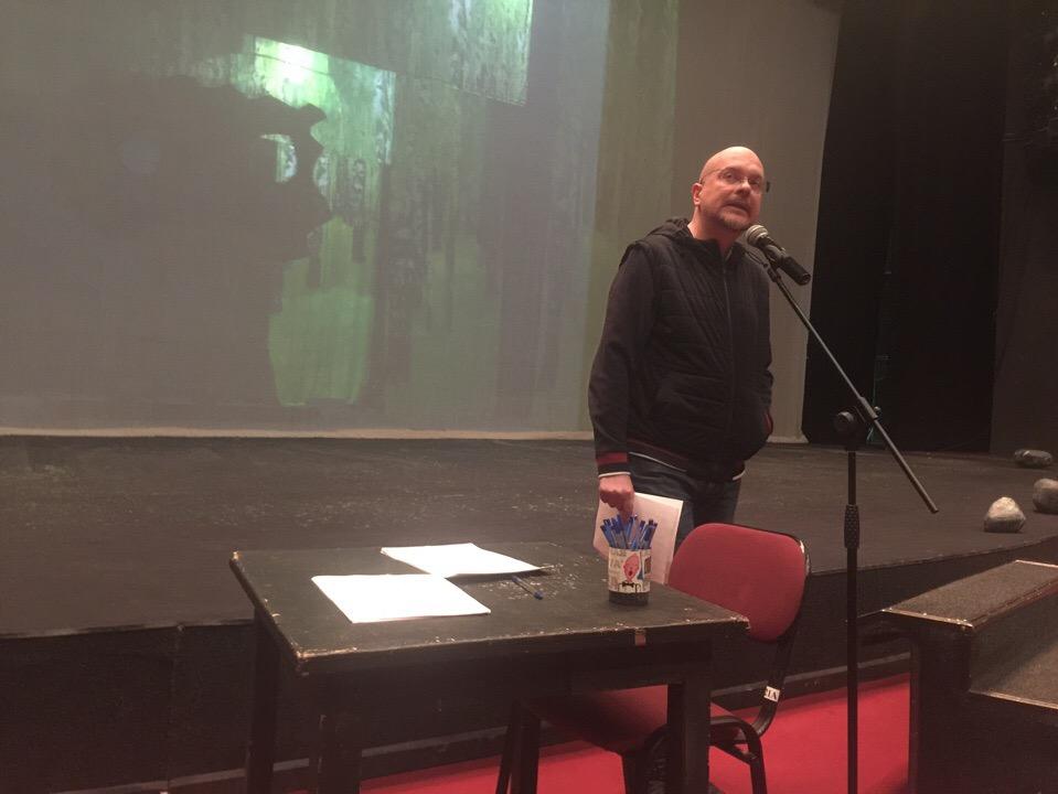 Главный режиссёр театра объявил труппе о смене руководства