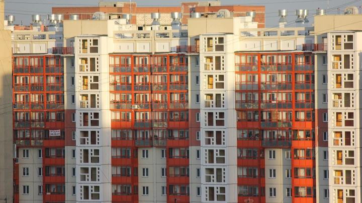 «Почти 6 тысяч за воду»: жители микрорайона в Челябинске получили квитанции с космическими суммами
