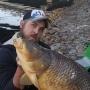 «Такие рыбы должны жить»: в Самарской области рыбак отпустил 15-килограммового сазана