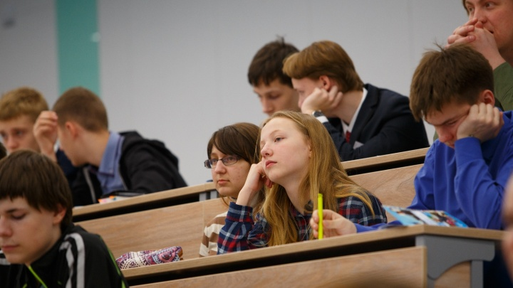 Власти спохватились: новосибирским вузам добавят бюджетных мест для будущих учителей и инженеров