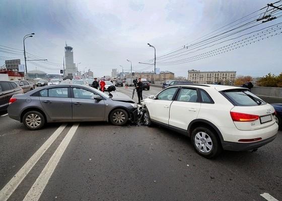Не бита, не крашена, любые проверки: в Екатеринбурге компания поможет дорого продать машину после ДТП