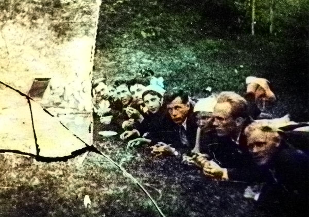 Николай Кузнецов на экскурсии работников конструкторского отдела Уралмашзавода на Первоуральском руднике. Лето 1936 года