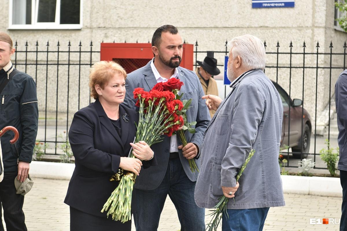 Слева — министр культуры Свердловской области Светлана Учайкина