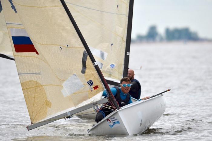 В соревнованиях победил крымский спортсмен Алексей Борисов (на фото в центре)