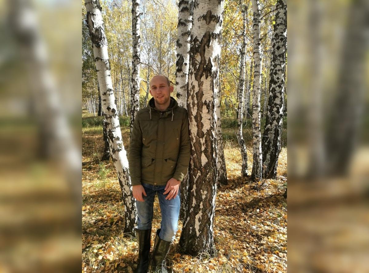 В семь лет сироту Александра Смольникова отправили в интернат для умственно отсталых детей