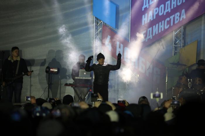 Олег Газманов собрал тысячи зрителей на площади Ленина