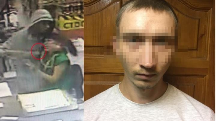 Уже имел проблемы с законом: в Волгограде арестовали дерзкого налетчика на сетевой магазин