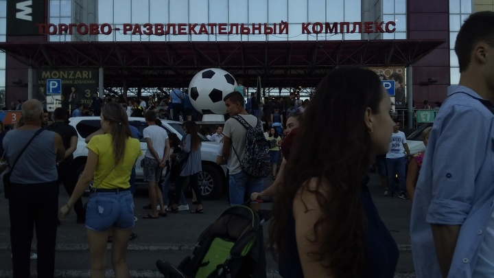 В Самаре охранники эвакуировали посетителей «Вива Лэнда» по тревоге