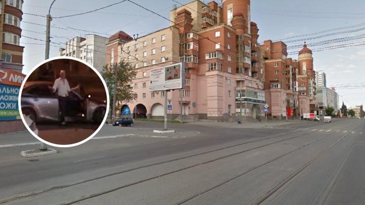 «До этого на Ленина приставал к девушкам»: стрельба в центре Челябинска переросла в уголовное дело
