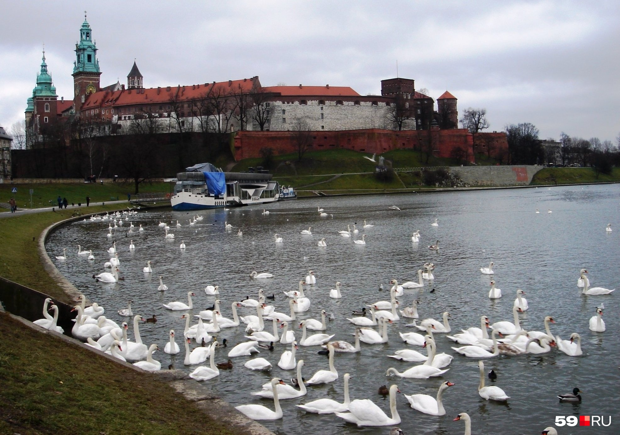 Для поездки в польский Краков потребуется шенгенская виза