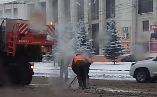 Главное — вовремя начать: в Ярославле дорожники ремонтируют площадь в снег