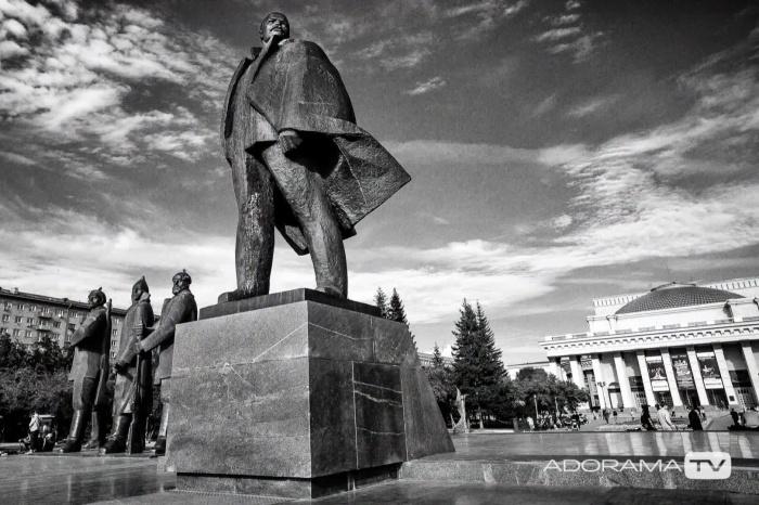 Американский фотограф решил, что Новосибирск лучше снимать без цвета