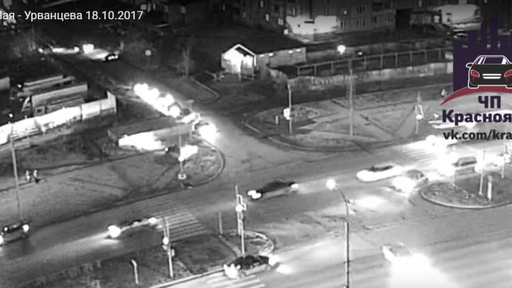 При аварии на оживленном перекрестке в «Северном» пострадала женщина