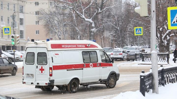 Внезапная смерть: возле фирмы «Мир» в Уфе скончалась 35-летняя женщина