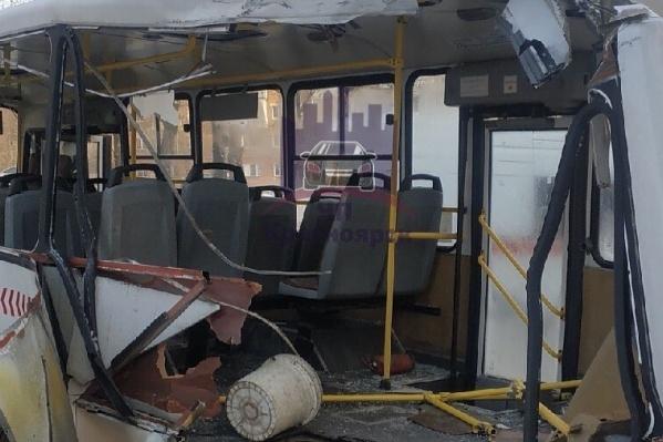 Вид изнутри автобуса