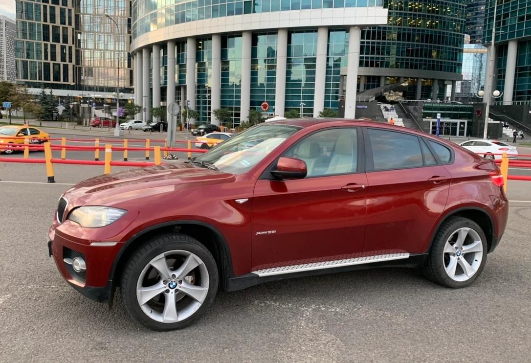BMW X6 подешевели до миллиона рублей