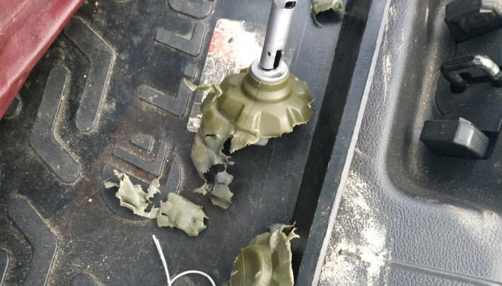 У «Дирижабля» пассажир такси бросил гранату в припаркованную машину